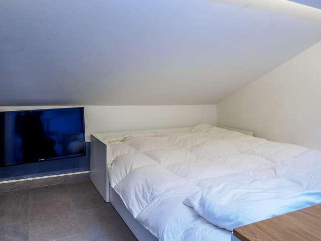 Modern studio apartment for rent in Brera, Milan