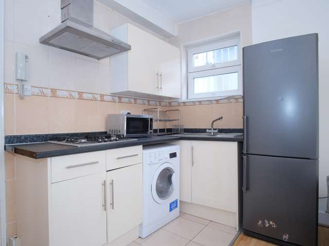 Studio flat to rent in Tower Hamlets, London