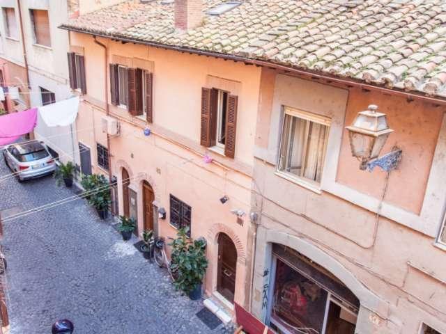 Bijou studio apartment for rent in Trastevere