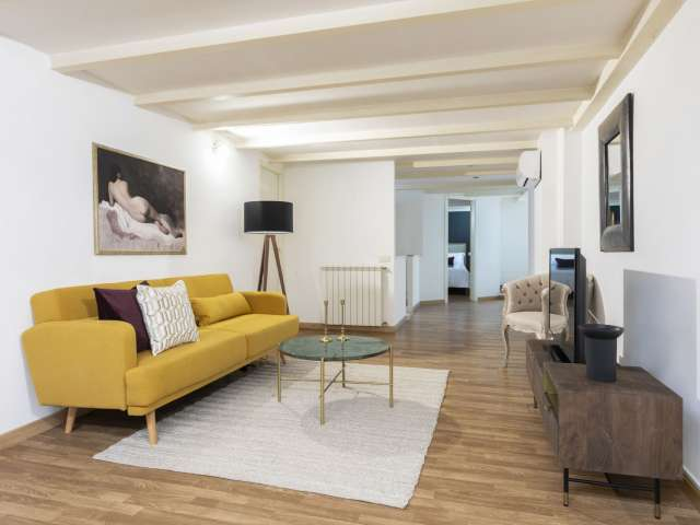 Apartment with 3 bedrooms for rent in Monti, rome