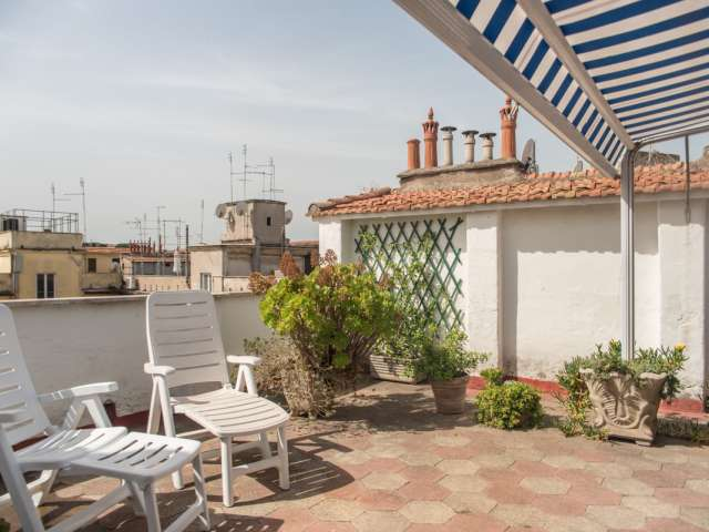 Studio with terrace and AC for rent in Prati, Rome