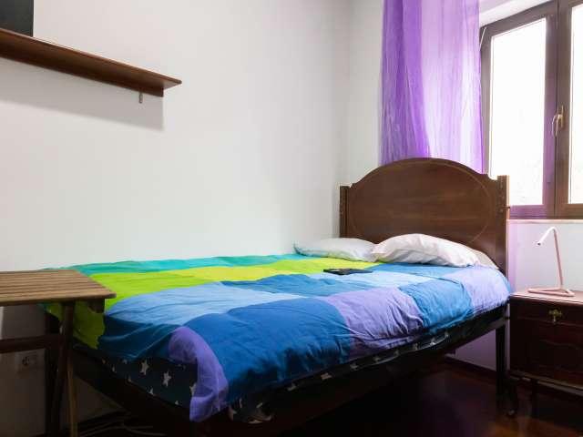 Quarto para alugar em apartamento de 3 quartos em Arroios, Lisboa