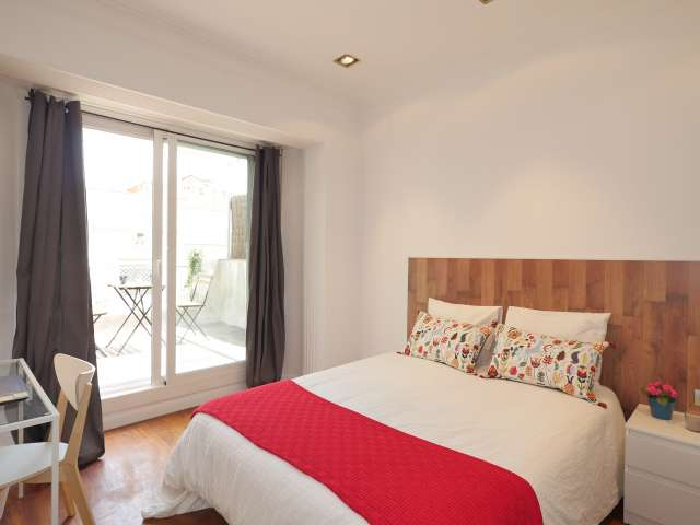 Spacious room for rent in Putxet, Barcelona