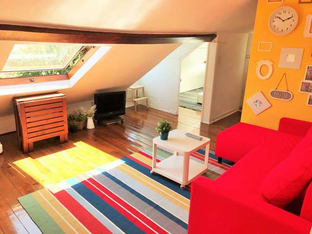 3-bedroom apartment for rent in Madragoa, Lisbon