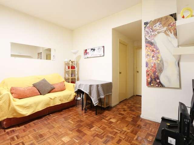 Funky 2-Bett-Wohnung in der Nähe der Plaza de España in Malasaña, Madrid