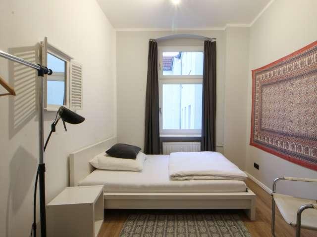 Geräumiges Zimmer in 3-Zimmer-Wohnung - Reinickendorf, Berlin