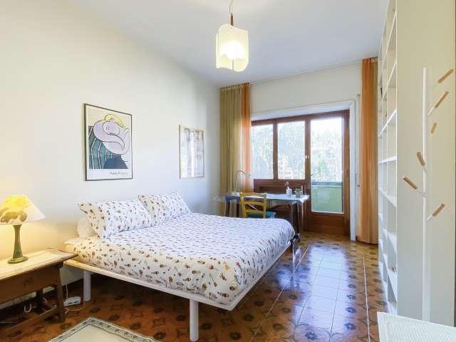 Camera in affitto in appartamento con 3 camere da letto a Trastevere