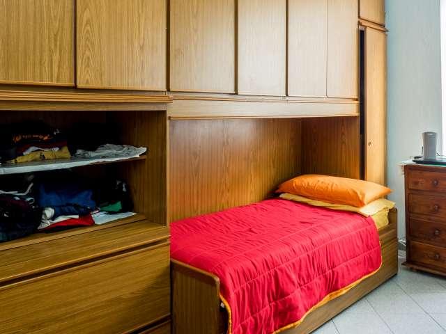 Raum im Raum mit A / C in der 1 Schlafzimmerwohnung, Zona Farini