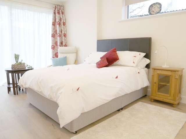 Sunny studio apartment for rent in Rathgar, Dublin