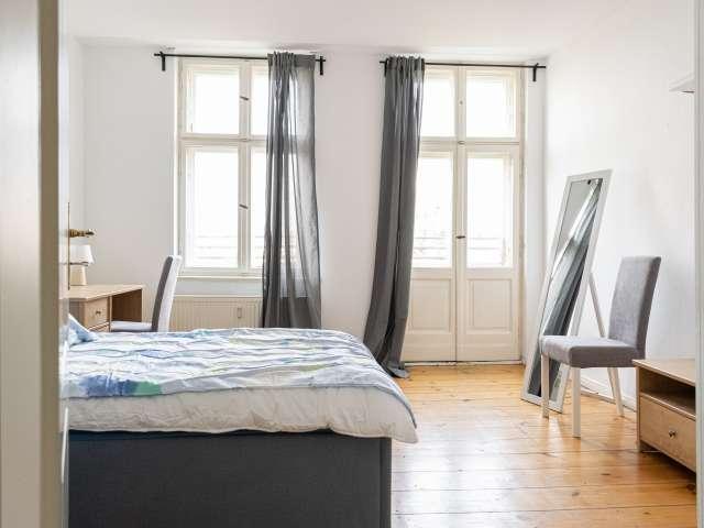 Doppelzimmer zur miete in wohnung mit 4 schlafzimmern, kreuzberg