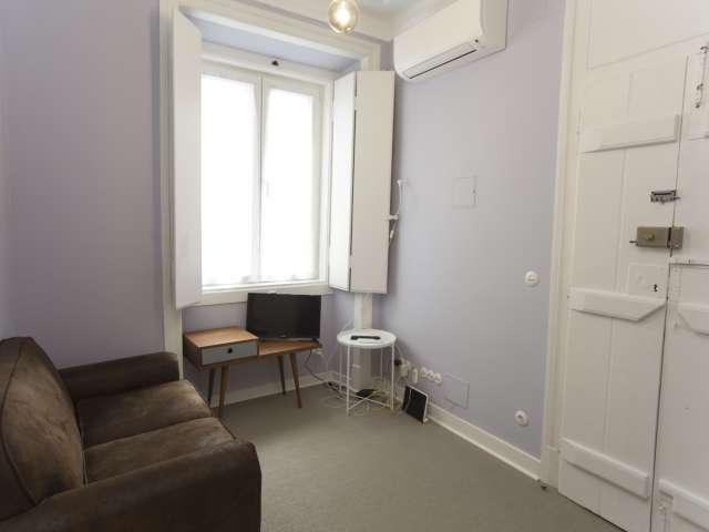 Snug 1-bedroom apartment for rent in Arroios, Lisbon