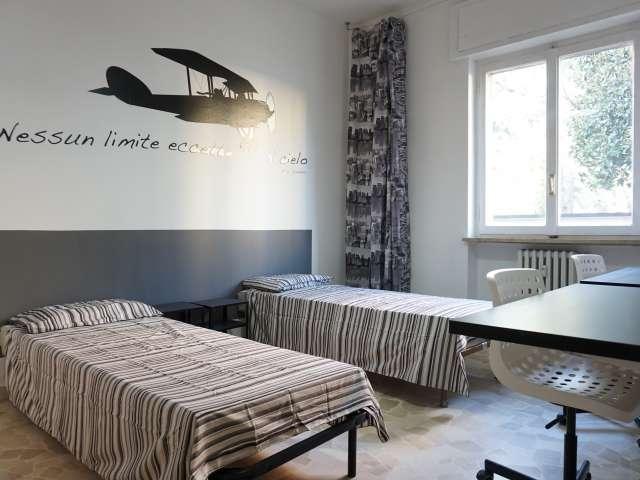 Zimmer zur Miete in einer Wohnung mit 2 Schlafzimmern in Rho, Mailand