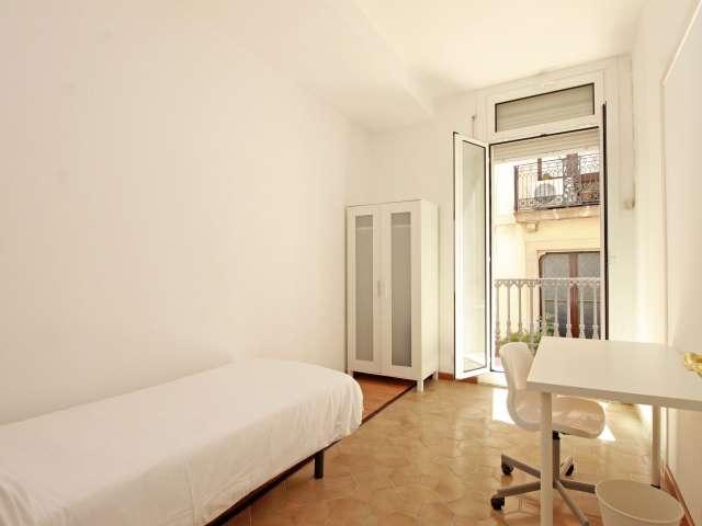 Teilen Sie eine 8-Zimmer-Wohnung in Barri Gòtic, Barcelona