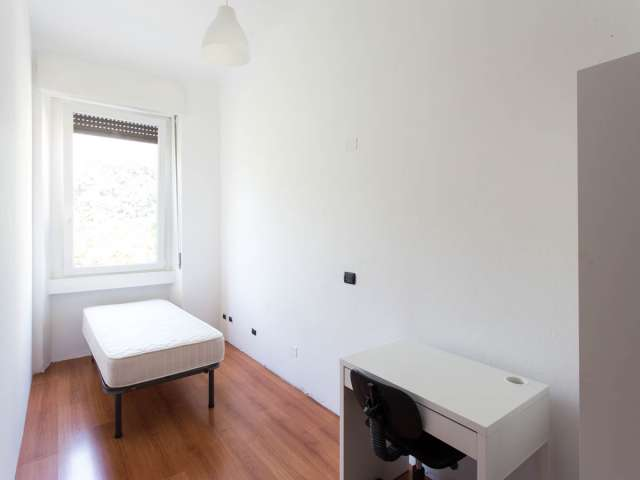 Modern room for rent in 5-bedroom apartment in Affori, Milan