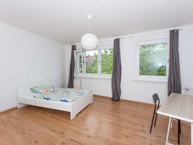 Zimmer zu vermieten in 4-Zimmer-Wohnung in Lichtenberg