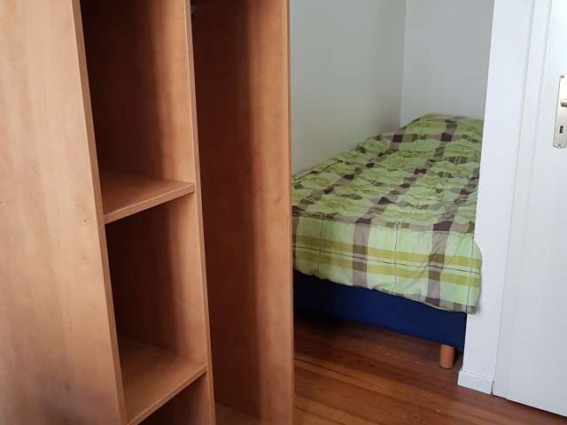 Room to rent, large apartment with 9 bedrooms, Mitte, Berlin