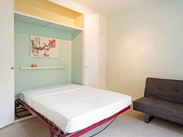 Bright 1-bedroom apartment for rent in Belsize Park, London