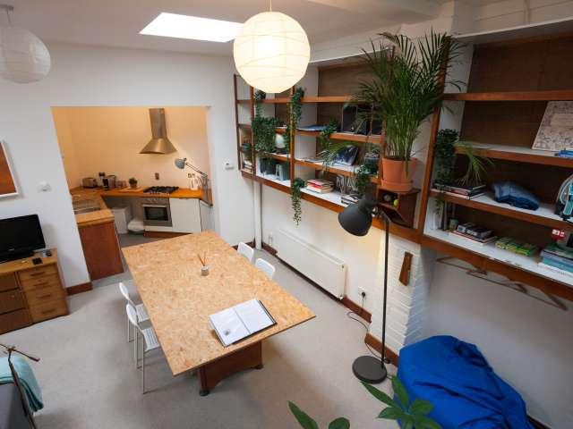 Spacious studio flat to rent in Drumcondra, Dublin