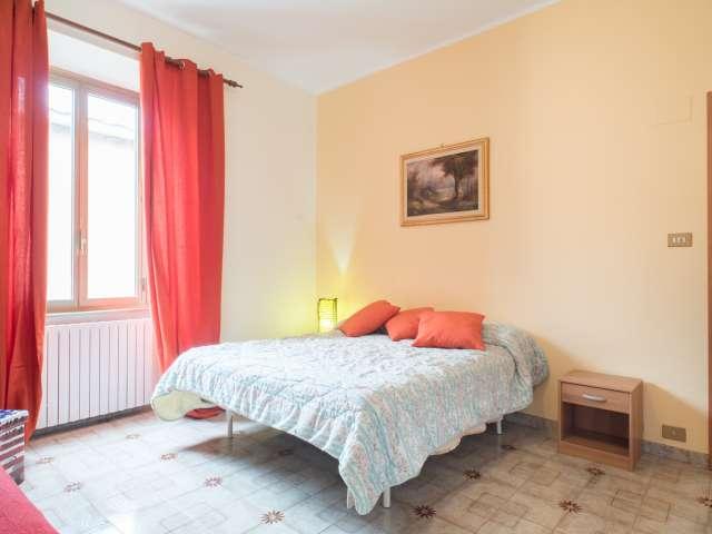 Camera doppia in appartamento con 2 camere da letto a Rebibbia, Roma