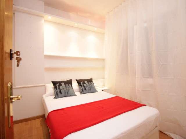 Room for rent in Zona Universitaria, Barcelona