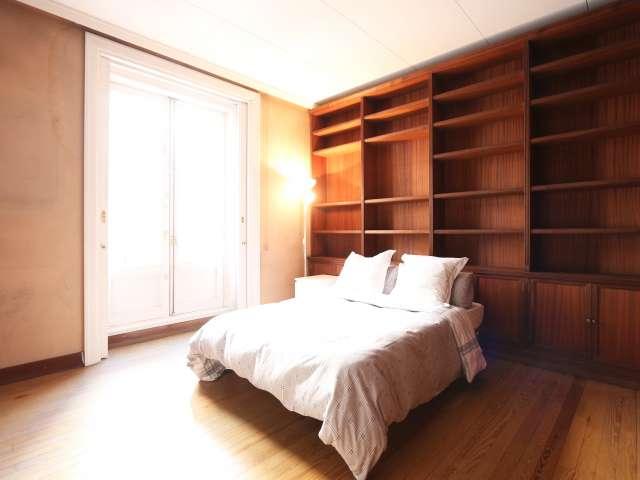 Chambre avec stockage dans l'appartement à Malasaña, Madrid