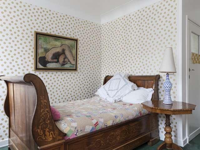 Stanza in affitto in casa con 6 camere da letto a Ixelles, Bruxelles