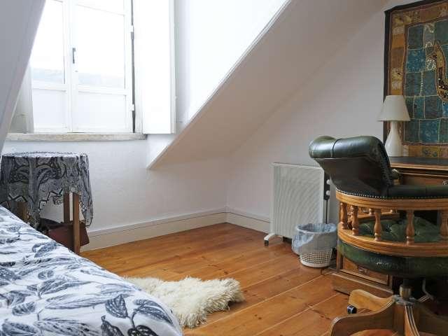 Quarto para alugar, apartamento de 4 quartos, Graça, Lisboa