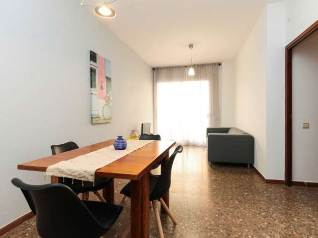 Simple 3-bedroom apartment for rent in Horta, Barcelona