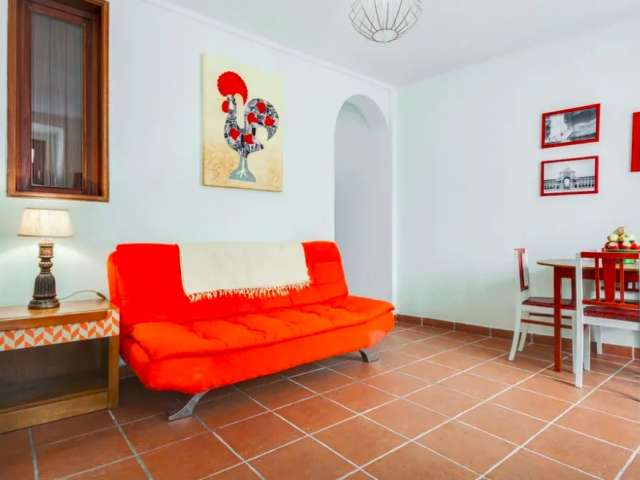 Colorful 2-bedroom apartment for rent in Mouraria, Lisbon