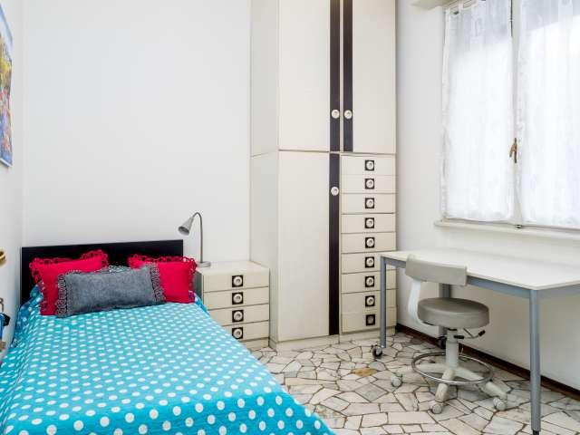 Bella stanza in un appartamento di 6 locali, Buenos Aires, Milano