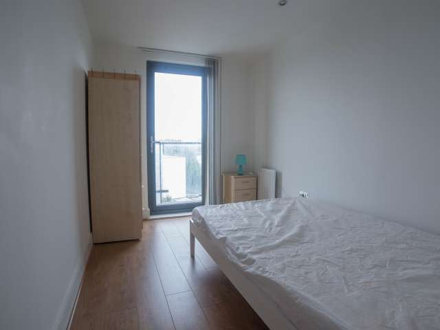 Excellent room in shared flat in Poplar, London
