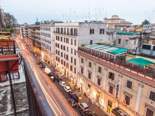 Stanza arredata in appartamento nel centro di Roma, Roma
