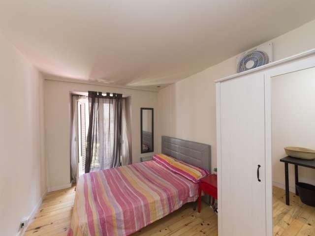 Acogedora habitación en un apartamento de 6 dormitorios en Centro, Madrid