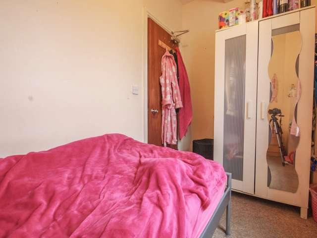 Cómoda habitación en piso en Hammersmith, Londres