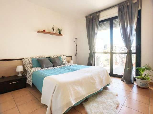Spacious room in 4-bedroom apartment in Lambrate, Milan