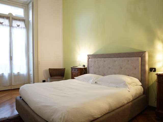 Camera in affitto in appartamento con 5 camere da letto nel quartiere di Porta Nuova