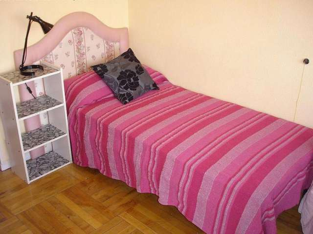 Room for rent in 6-bedroom apartment in Ríos Rosas, Madrid