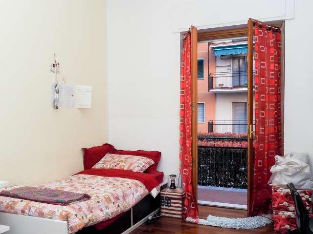 Angenehmes Zimmer in einem 2-Zimmer-Apartment in Lodi, Mailand