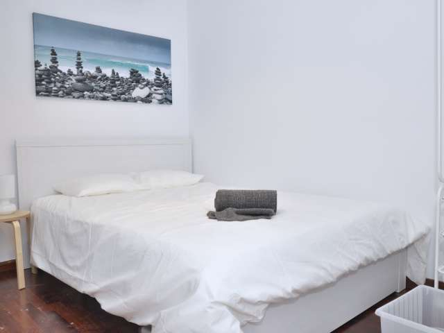 Live in a shared apartment, Sarrià-Sant Gervasi, Barcelona