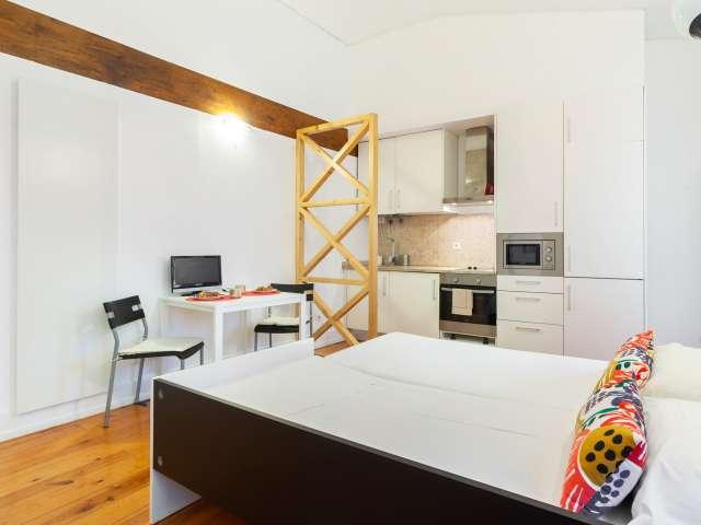Chic studio apartment for rent in Bica, Lisbon