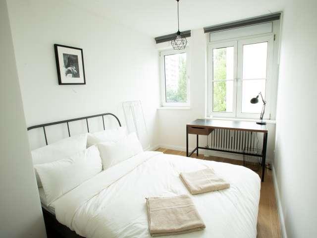 Zimmer zu vermieten in Wohnung mit 5 Schlafzimmern in Kreuzberg
