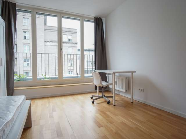 Helles Zimmer zur Miete in 5-Zimmer-Wohnung in Mitte, Berlin