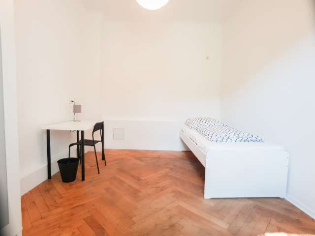 Zimmer zu vermieten in 7-Zimmer-Wohnung, Karlshort, Berlin