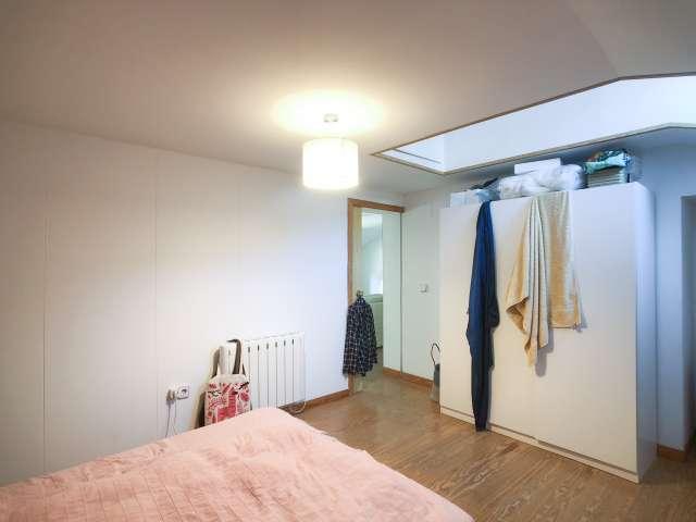 Chambre à louer dans un appartement de 3 chambres à Malasaña, Madrid