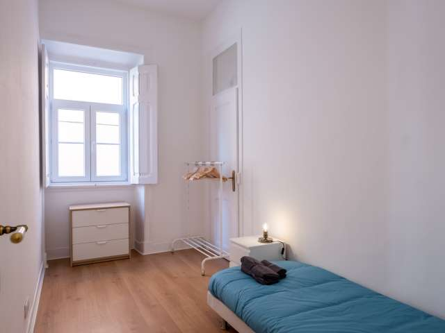 Cosy room for rent in 4-bedroom apartment in Campolide