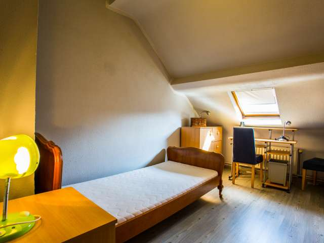 Ample room in 3-bedroom apartment in Evere, Brussels