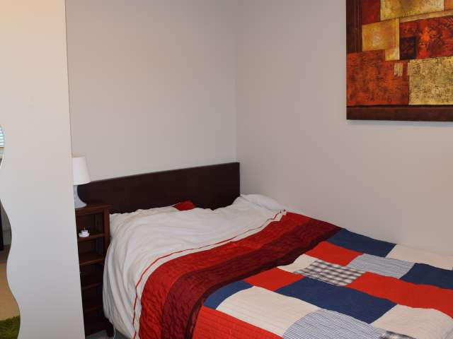 Comfortable room in 6-bedroom apartment in Lucan, Dublin