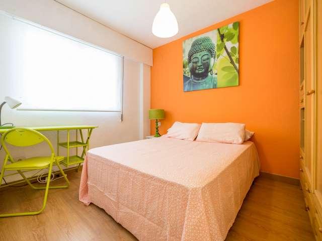 Habitación acogedora en apartamento en Poblats Marítims, Valencia