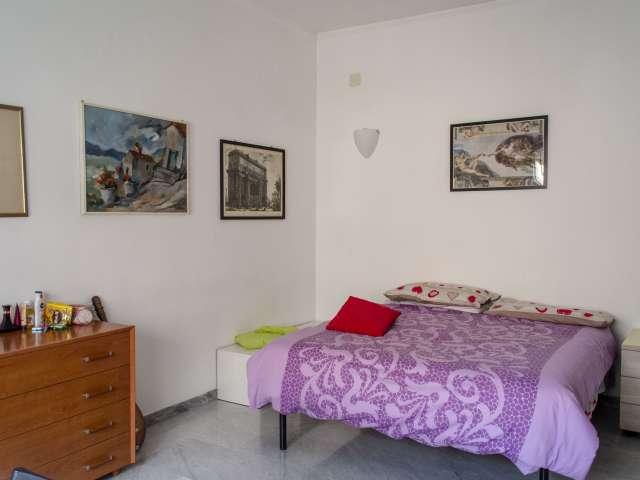 Camera in affitto in elegante appartamento con 4 camere da letto vicino a EUR