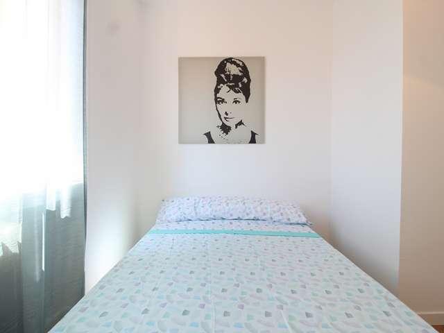 Cozy room in 4-bedroom apartment in La Latina, Madrid
